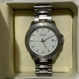 Nice men's silver tone working Fossil watch